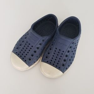 Native Shoes Navy C6